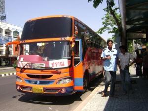 Un bus à Cha-am