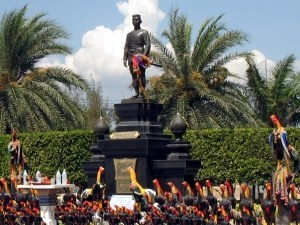 Statue of King Naresuan the Great