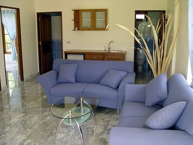"""Chaque bungalow a une couleur prédominante dans la décoration et l'ameublement. Voici le """"bungalow bleu""""."""